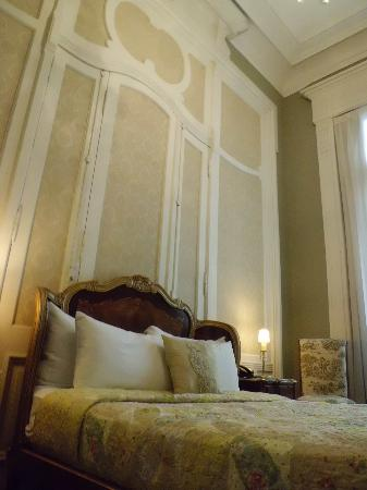 Rooney's Boutique Hotel : room 2