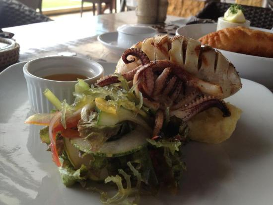 Amorita Resort: The best grilled squid ever!