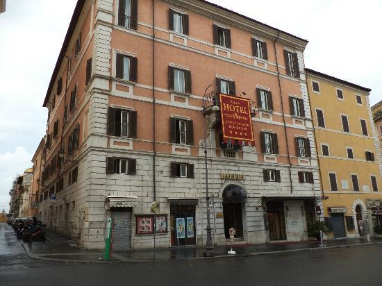Antico Palazzo Rospigliosi: The Hotel
