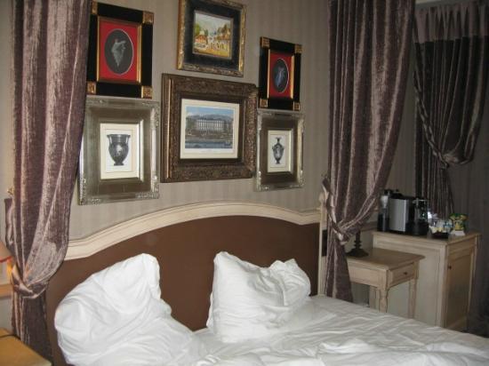 Hotel Royal - Manotel Geneva: chambre