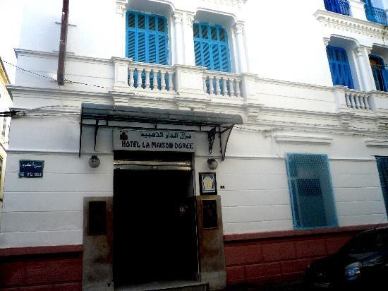 La Maison Doree: façade