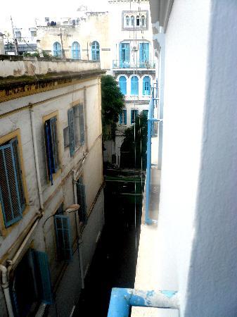 La Maison Doree: vue de ma fenêtre au troisième étage