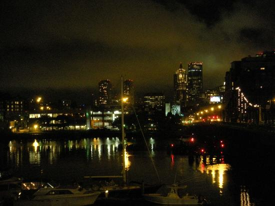 Residence Inn Boston Harbor on Tudor Wharf: City view at night