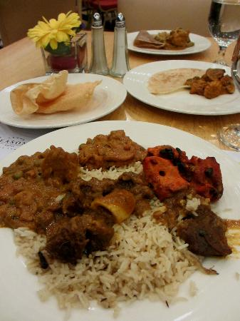 جراند سيزونز هوتل: indian buffet dinner 