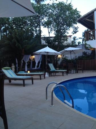 Farol de Itapuã Praia Hotel: lato piscina