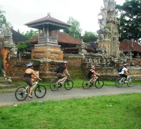 Arekarek Bali Cycling: touring the countryside
