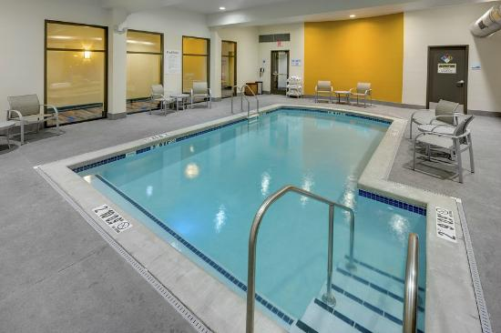 Holiday Inn Express at KU Medical Center: Indoor Heated Pool