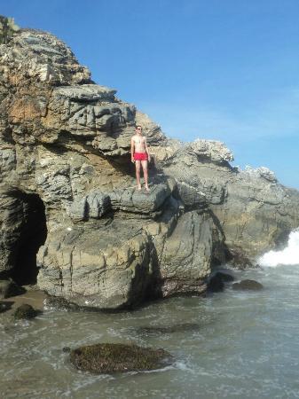 Playa Zicatela : Formacion rocosa