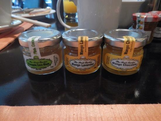 Makati Shangri-La Manila: mango jam