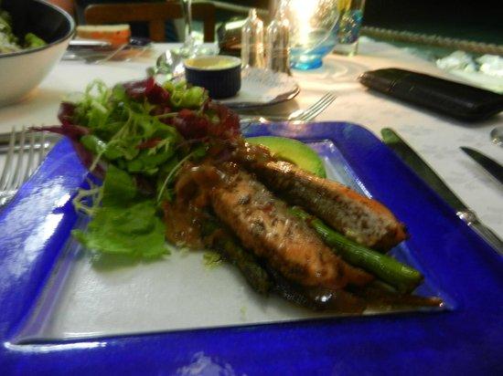 The Tides : Salmon Salad