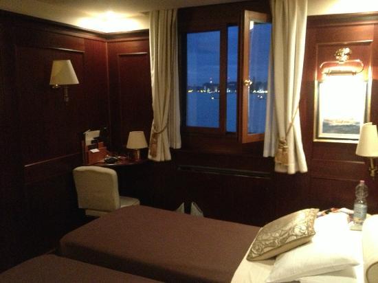 Hotel Bucintoro: Room 303