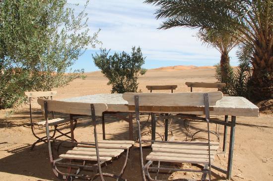 Auberge Amazir: De la terasse, vue sur les dunes