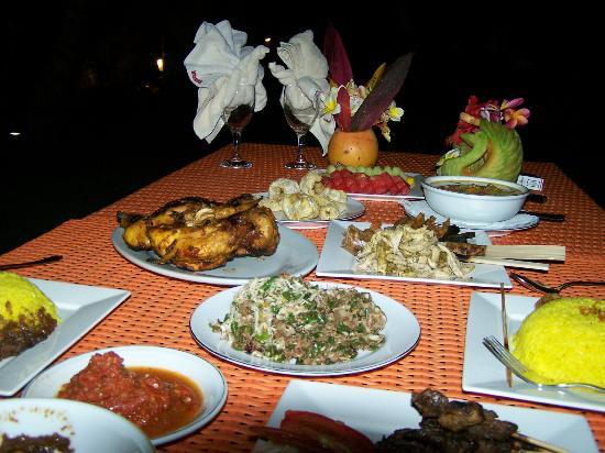 Tirta Ening Agung: diner voor twee bij kaarslicht