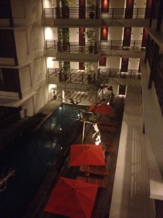 Sun Island Hotel Kuta: view from room 324