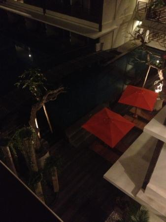 Sun Island Hotel Kuta: view of pool from room 324