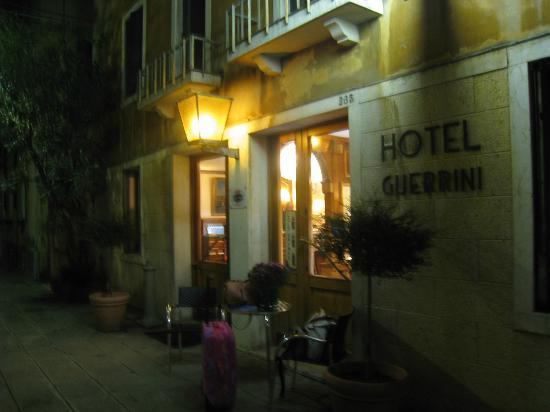 Hotel Guerrini : Façade de l'hôtel Guerrini