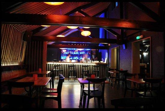 Yum Yum Ninja: Bar Area