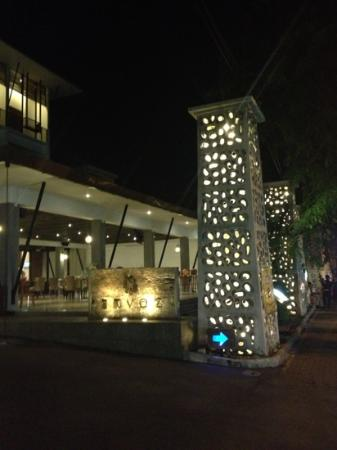 Sun Island Hotel & Spa Kuta: another view of restaurant area