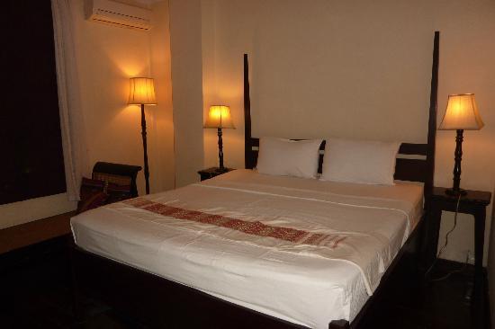 Hotel Khamvongsa: Doppelzimmer