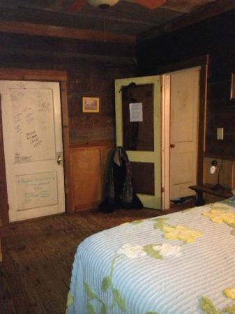 Shack Up Inn: back bedroom