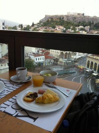 A for Athens: Café da manhã com vista para a Acrópoles