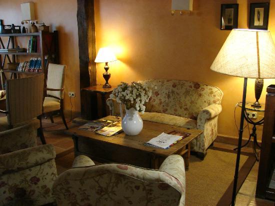 Posada Real De Esquiladores: Sala de estar