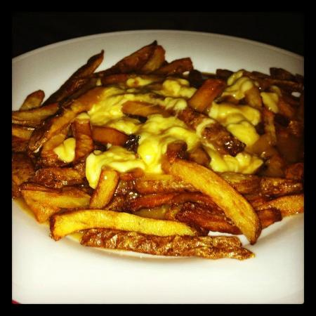 Peasant Cookery: Poutine with bacon gravy