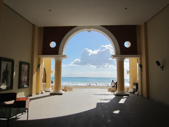 Iberostar Grand Hotel Paraiso: Looking out to the beach, from the lobby of bldg 70