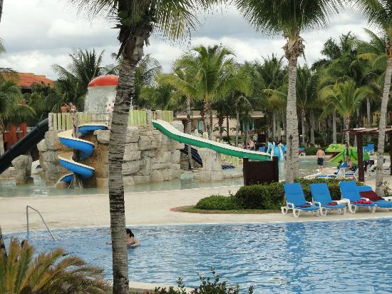 Barcelo Maya Tropical: one of 3 water play areas