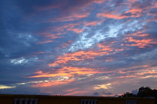 Hotel La Ronda : Sunset from the roof top bar