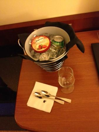 JW Marriott Washington, DC: gift from front desk--ice cream/soda