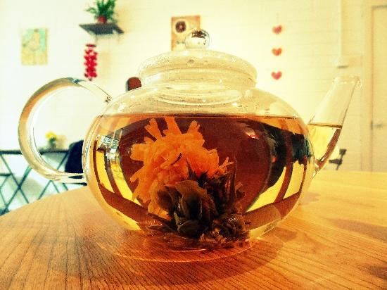 The Secret Garden Galway: Blooming tea. Miracle in a tea pot!