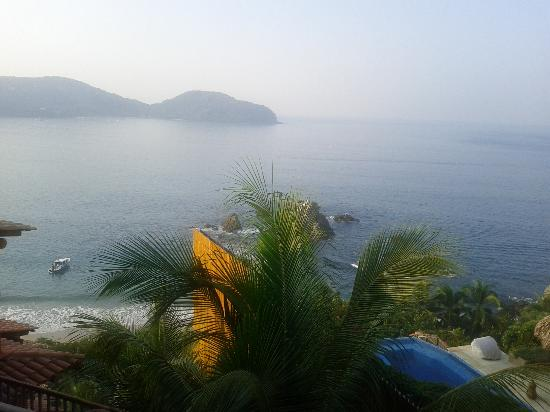Embarc Zihuatanejo: view every single day