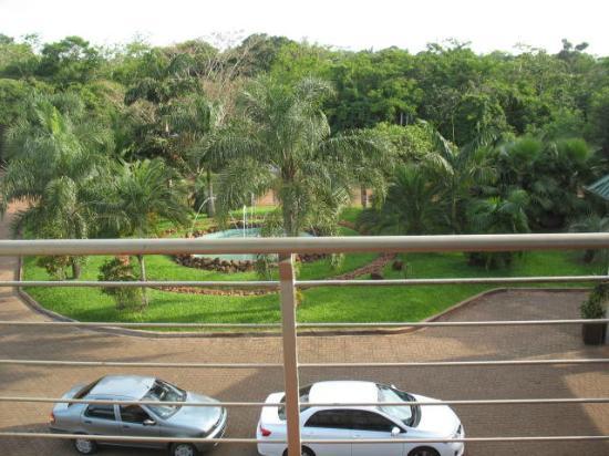 Amerian Portal del Iguazu: Grounds in front