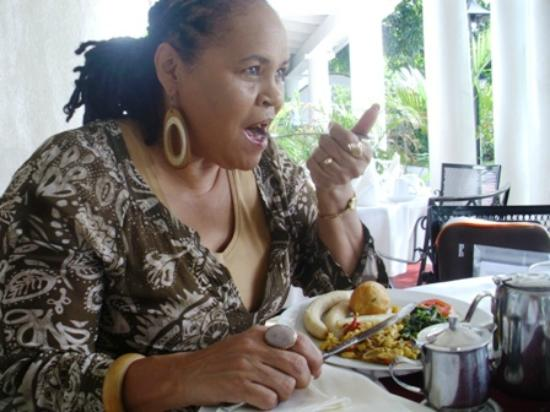 Hotel Four Seasons: Having a Full Jamaican Breakfast!