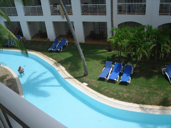 Be Live Collection Punta Cana: another of the hotels pools that is long