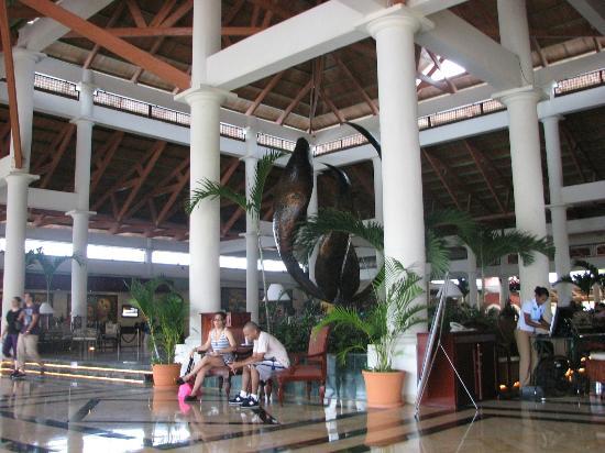 Grand Bahia Principe Turquesa: Gran Bahia main lobby