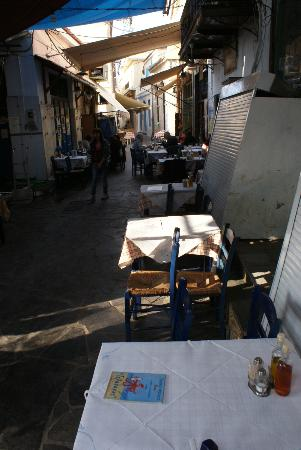 Fish Market: Restaurant tables laid out in the street