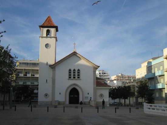 Vila Galé Náutico: Church in Armacao de Pera