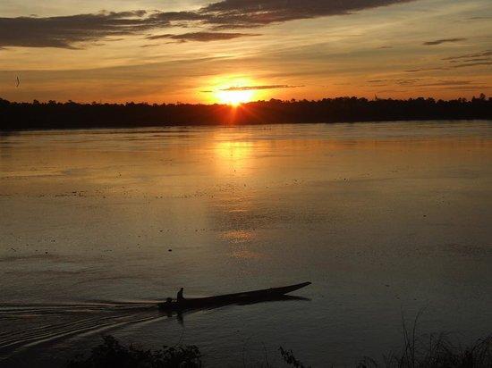 That Phanom, Tajlandia: Rojana's Retreat on Mekong