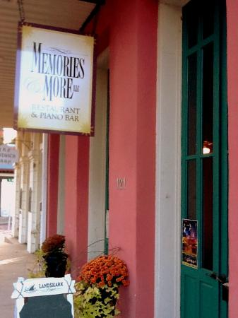 Memories & More Restaurant and Piano Bar: Come on in!