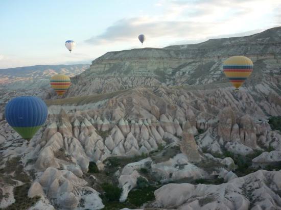 Cappadocia Ez Air Balloons: Capadoccia desde el aire...