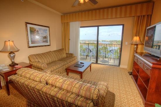 Lake Eve Resort: Living Room
