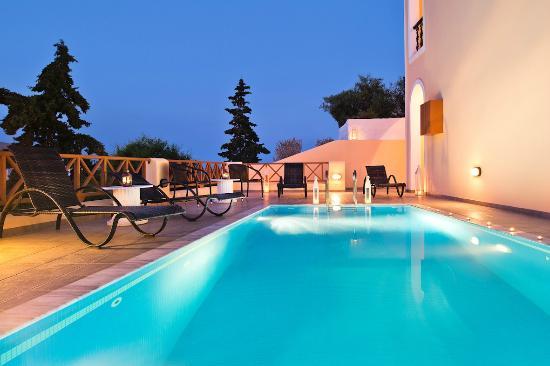 Villa Anemone: Swimming pool