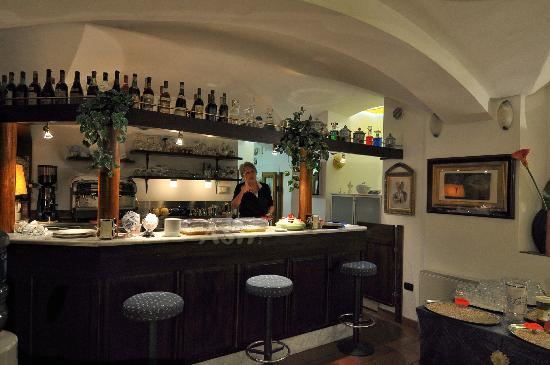 Residence La Contessina: Breakfast room bar