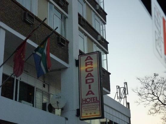 Arcadia Hotel: façade de l'hôtel .