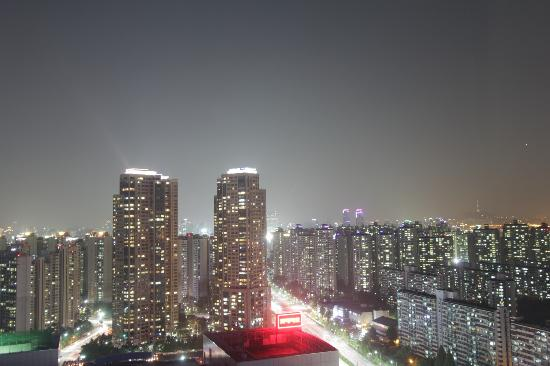Lotte Hotel World: Seoul at night from my window!