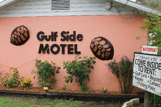 The Gulf Side Motel: Motel front