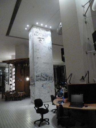The Marmara Antalya: Gästebuch einmal anders - an der Wand