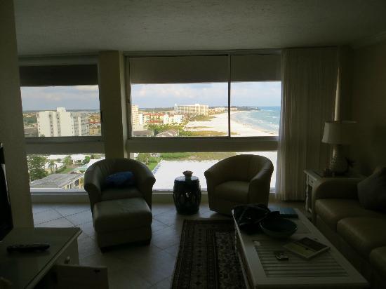 The Palm Bay Club: Vista desde el living 